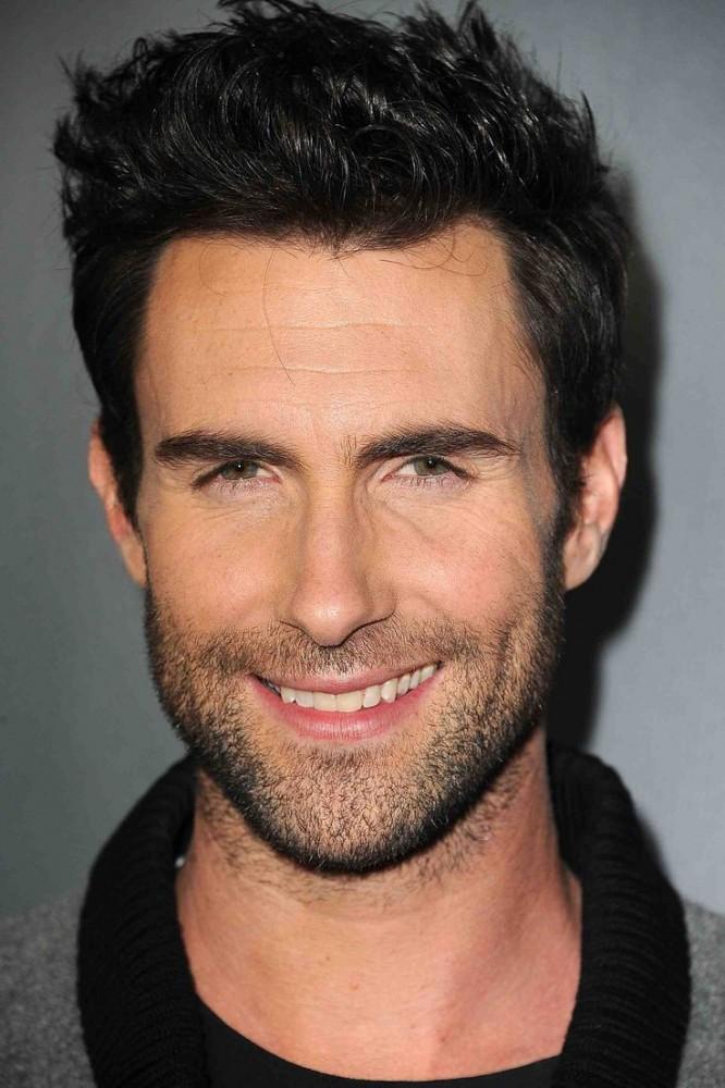 barba Adam Levine