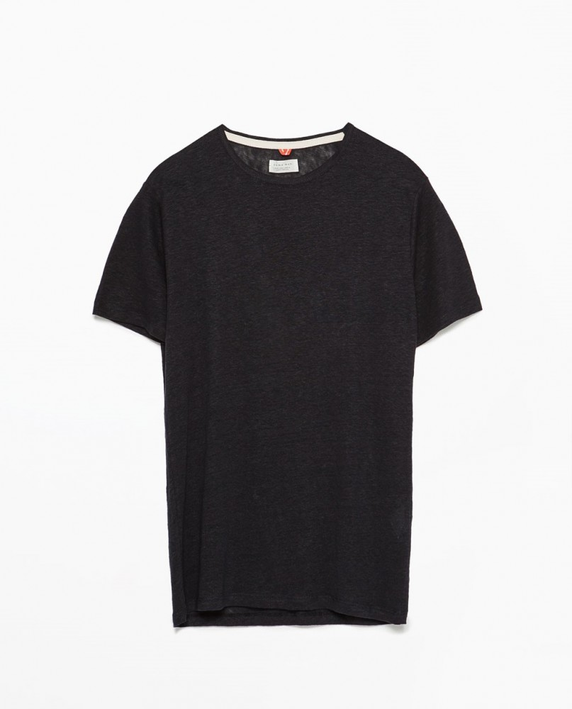 T-shirt nera basic